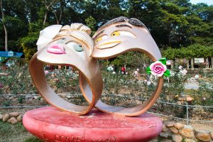 Creepy ass rings with faces